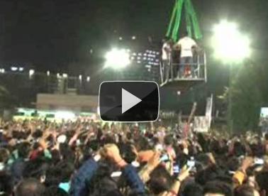 When Ranbir Kapoor,Nargis hovered over Garba ground in crane box(Video)