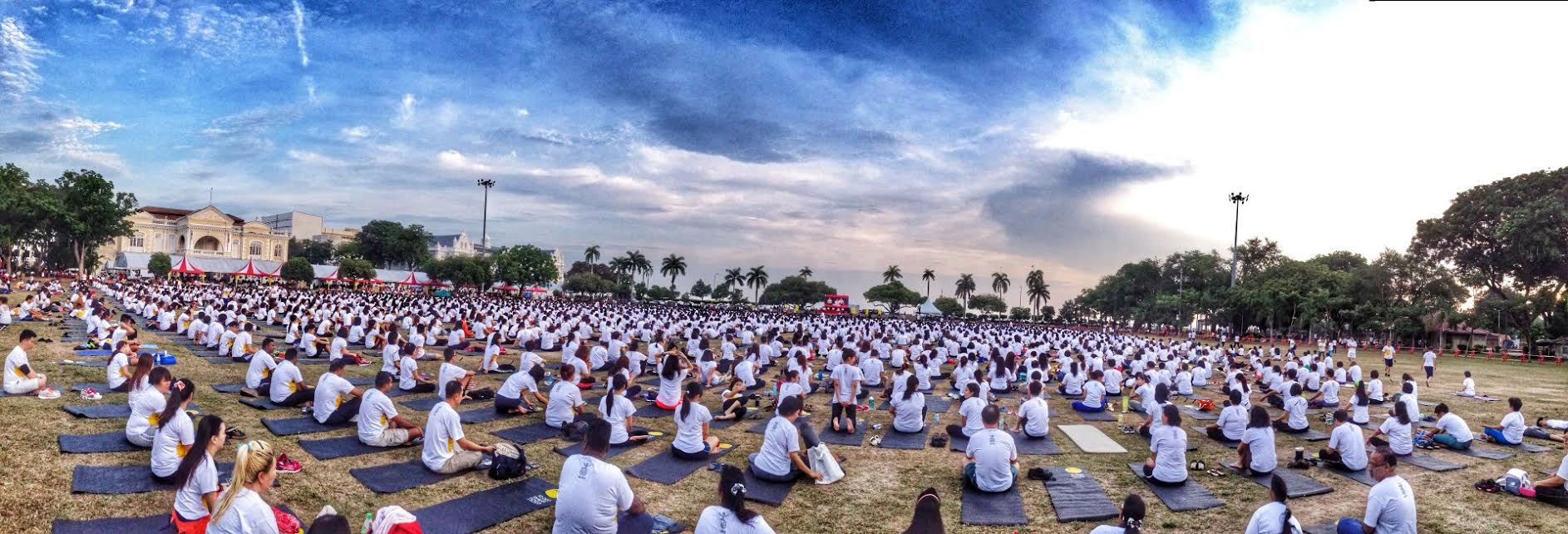 1.25 crore to participate in Yoga Day events across Gujarat, world record to be attempted